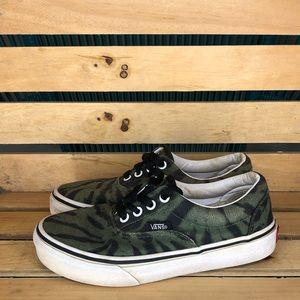 Kid classic low top green/black print size 2